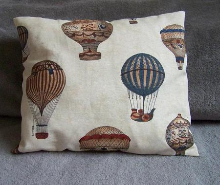 Balloon pillow case