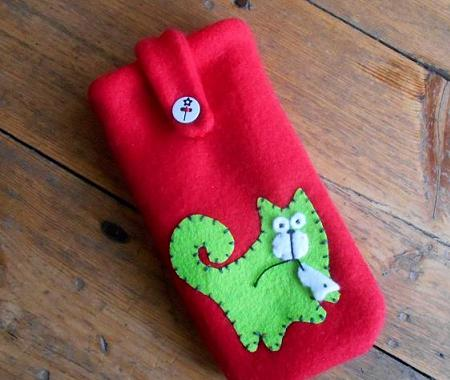Green cat handmade case for mobile or camera