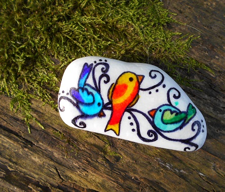 Birds painted stone