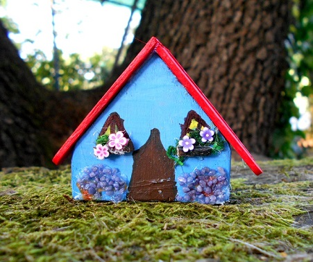 Green fairy house for fairy garden