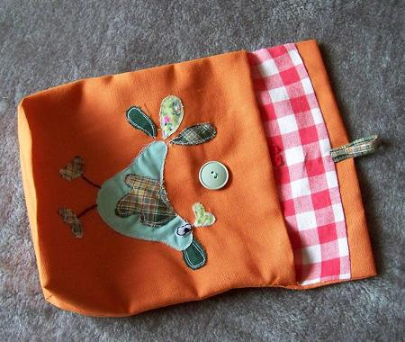 Lunch bag with green bird