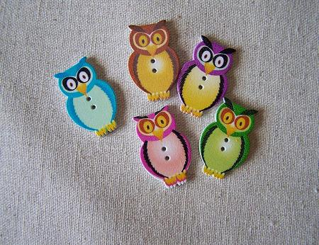 owl buttons wood